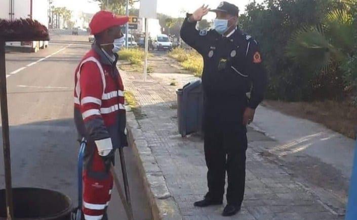-أخبار-كورونا-الجريدة-الالكترونية-المغربية-le12 -المغرب-رجل-أمن-يحيّي-عامل-نظافة